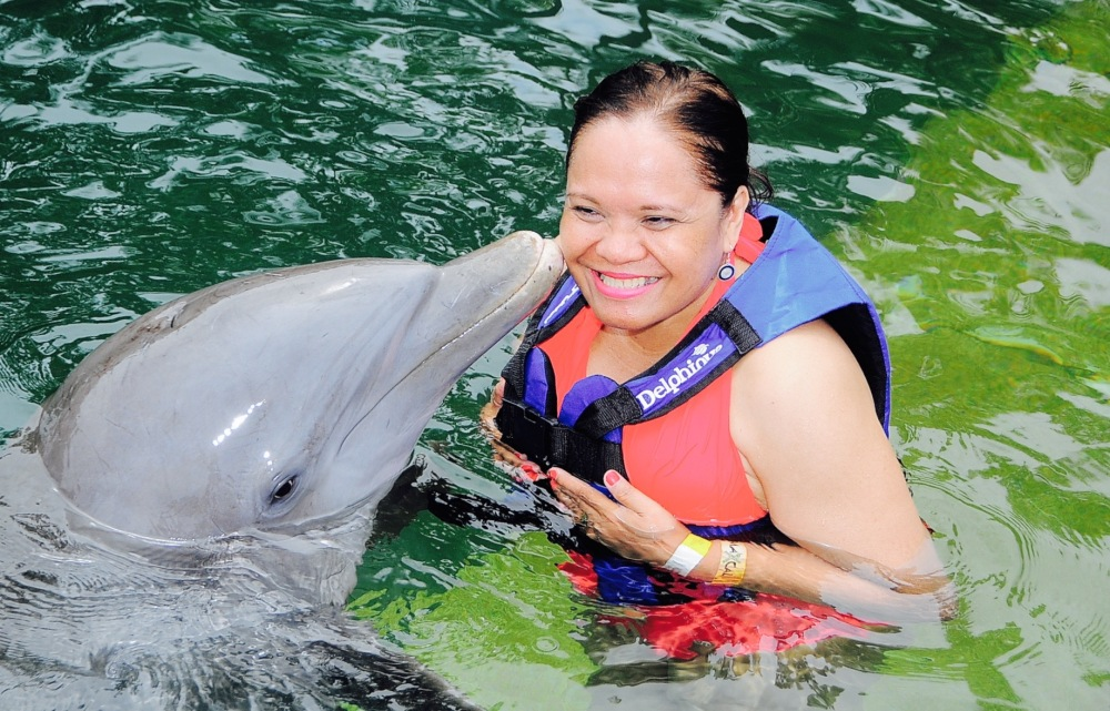 Kissed by a dolphin at the place 'Where water is born' (2/6)